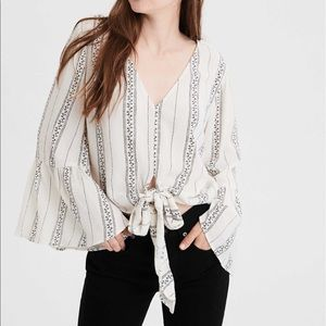 American Eagle tie front blouse